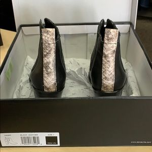 NWOT dolce vita leather booties sz 7